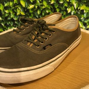 | Vans | shoes. Size 9. EUC!